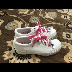 Kids double Dutch white charm sneakers